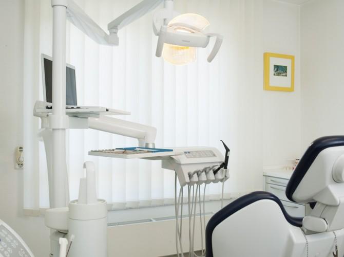Behandlungszimmer-II